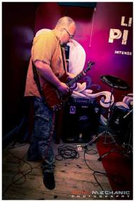 Live at Pi Bar 7